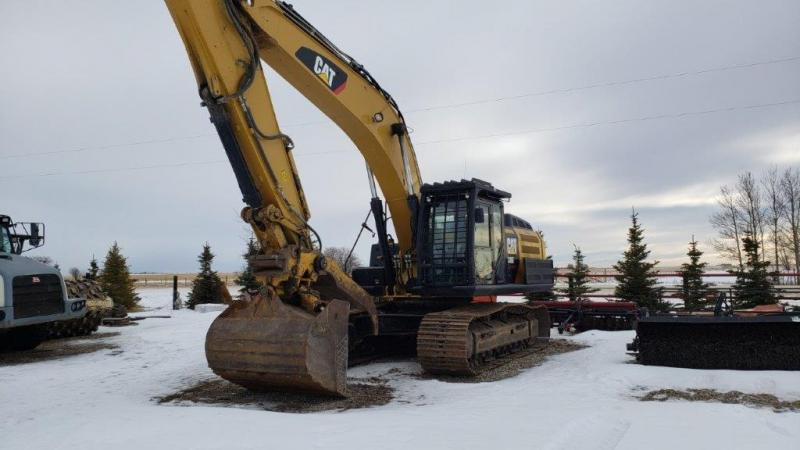 Used Cat 336EL excavator for sale in Alberta.