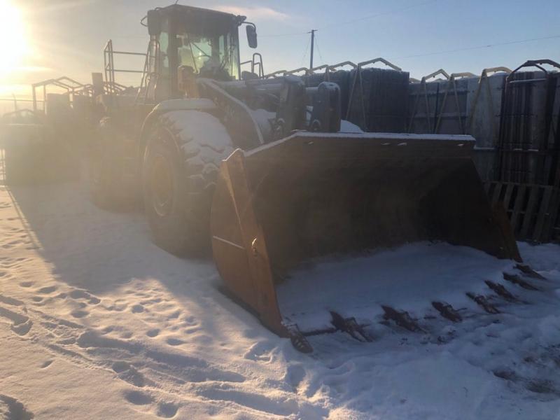 Used 844k wheel loaders for sale in Alberta
