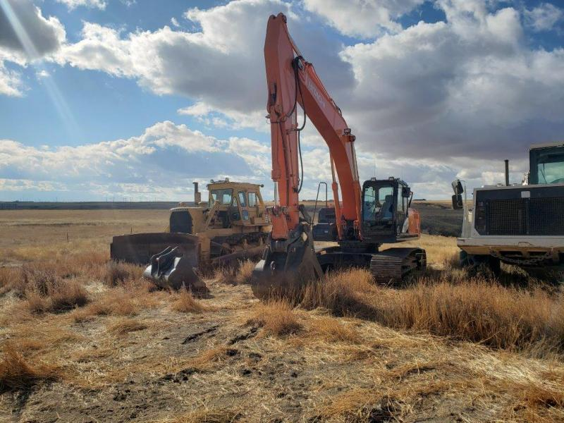 Used Hitachi ZX250 excavator for sale in ND