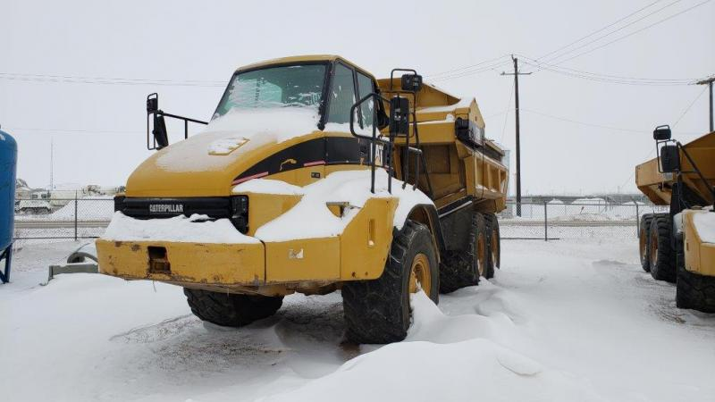 Used 30 ton ejector rock truck for sale in Saskatoon