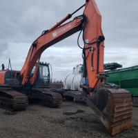 Used 29 ton excavator for sale in BC