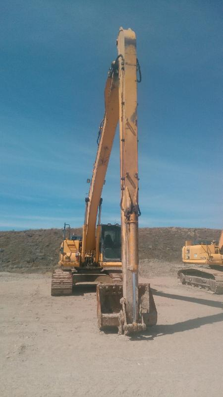 Used Komatsu PC210 excavator for sale in ND