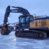 Used 35 ton excavators for sale in Western Canada
