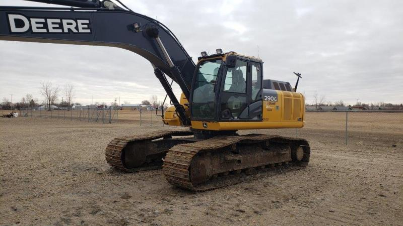Used 290G LC excavator for sale in SK