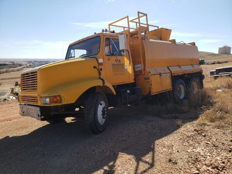 Used 4000 gallon water truck for sale