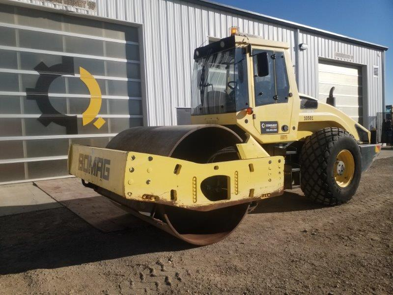 20 ton compactor for rent in SK