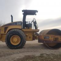 Caterpillar smooth drum roller rental in Western Canada