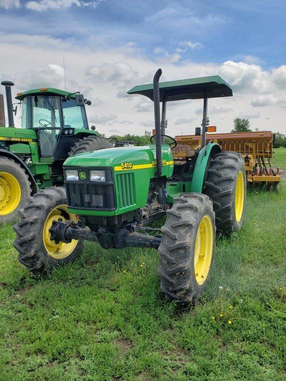 Used John Deere 5410 tractors for sale in North Dakota