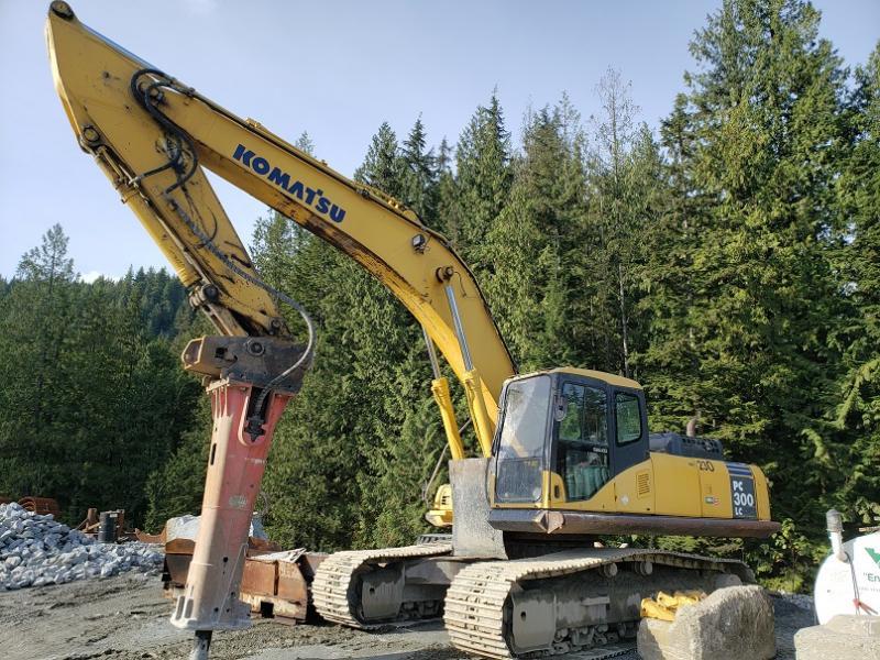 Used Komatsu 30 ton excavators for sale in BC